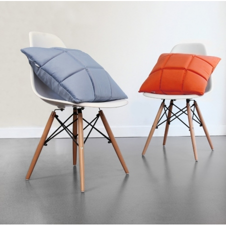 Fotel Cup inspirowany Swam Chair Leather
