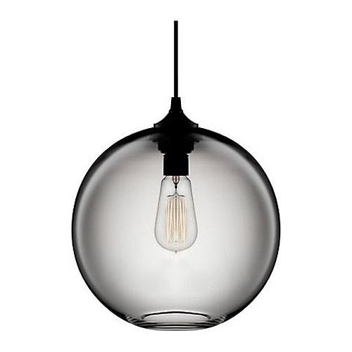 Szklana lampa wisząca Love Bomb 25 Step Into Design do salonu. Kolor szary