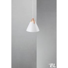 Stylowa lampa wisząca Cork wykonana z korku.