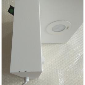 Designerskie Krzesło drewniane tapicerowane CD37 Berg Signal do kuchni. Kolor szary, zielony, stelaż/podstawa drewniana. Styl