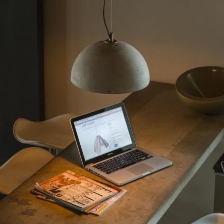 Industrialna Lampa betonowa wisząca Sfera 32 Jasnoszara LoftLight do salonu i sypialni.
