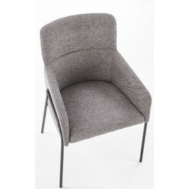 Białe zgrabne krzesło Teo w stylu skandynawskim.