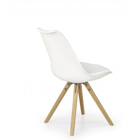 Przeźroczyste krzesło Liquid
