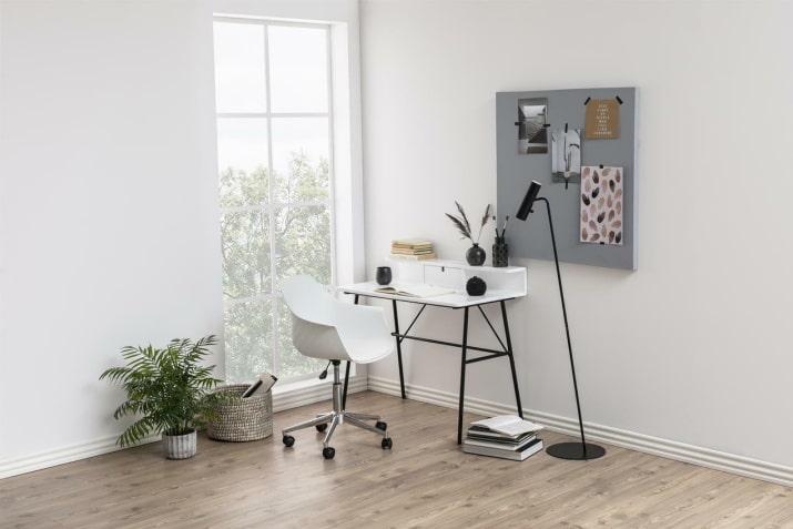 Industrialne białe biurko ze ścianką Pascal na czarnej podstawie