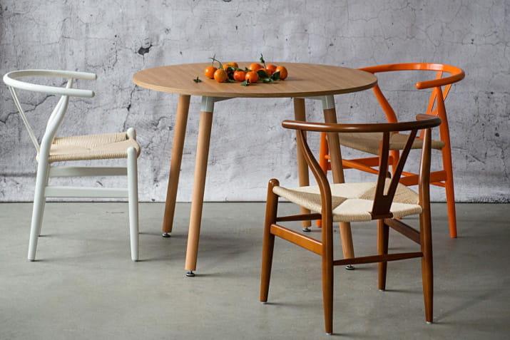 Designerskie drewniane krzesła Wicker z plecionym siedziskiem