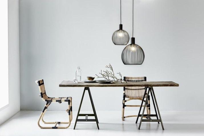 Czarna designerska lampa druciana Aver 40 w kształcie kuli