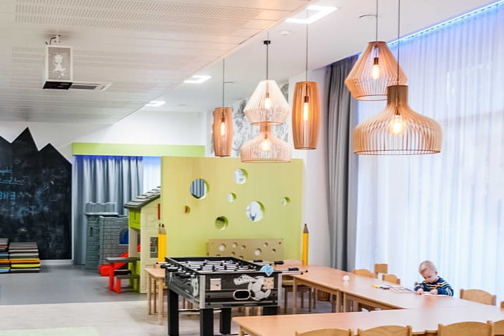 Designerka duża lampa wisząca ze sklejki Goblet PLYstudio